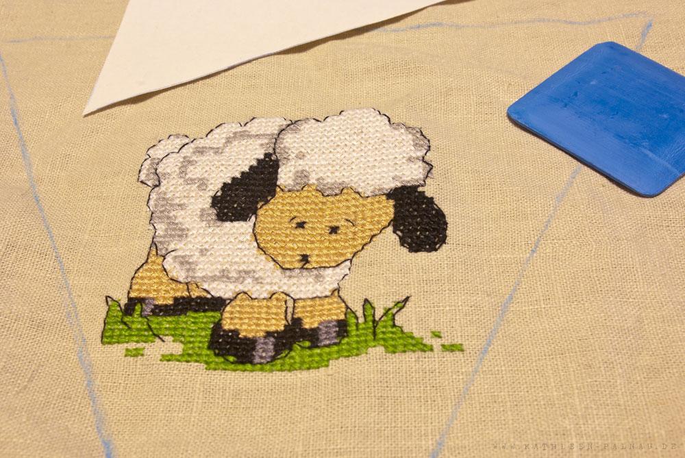 Gesticktes Schaf für die Wimpelkette