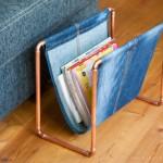 Jeans-Upcycling trifft auf Kupferrohr – Ein Zeitungsständer entsteht