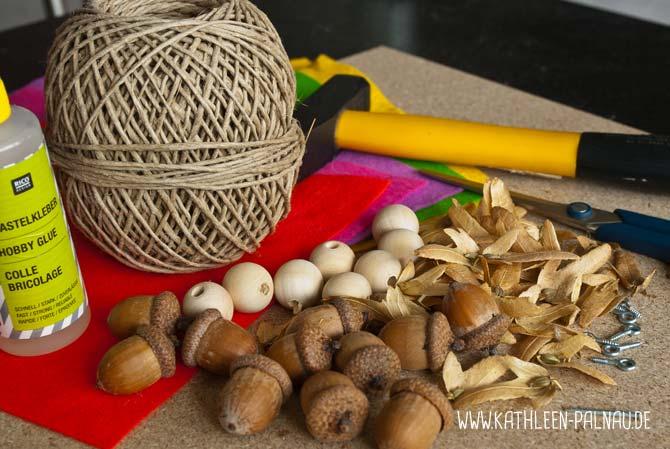 Material für das Basteln der Eichelmädchen