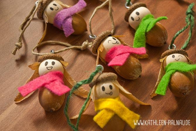 Die fertigen Eichelmädchen