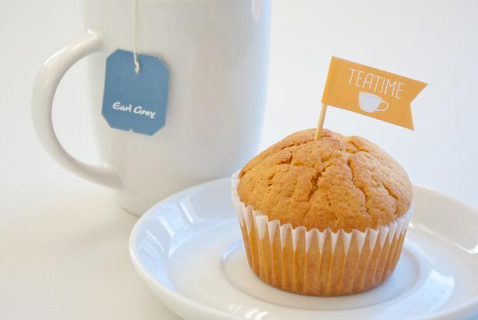 Teatime-Muffin mit Teetasse